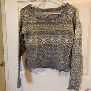 Arizona Cropped Gray Aztec and Polka Dots Sweater